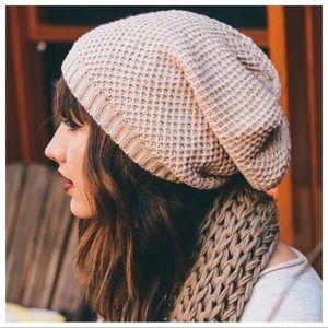 ✨RESTOCKED✨Oatmeal Waffle Knit Slouch Beanie